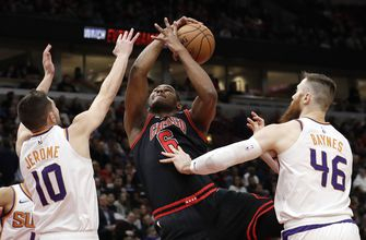 DeAndre Ayton, Devin Booker dominate, Suns top Bulls 112-104