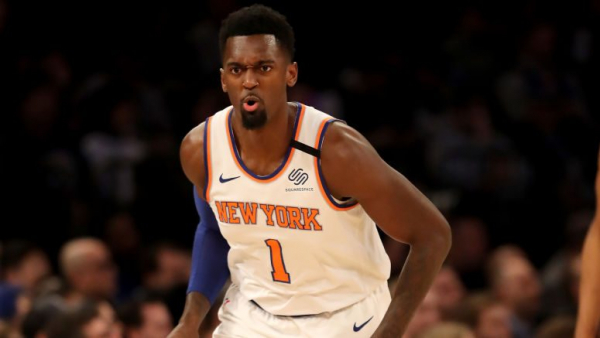 Knicks' Bobby Portis ejected for throwing ball at Shabazz Napier (video)