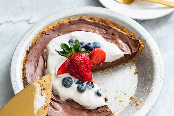 Four-Ingredient Chocolate Pie [Plant-Based on a Budget]