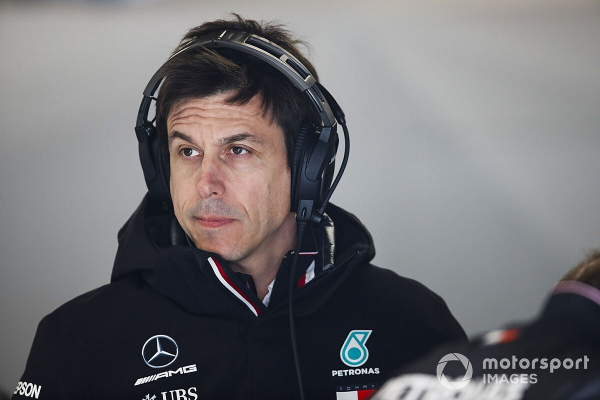"Mercedes has ""clear intention"" to remain in F1 under Wolff"