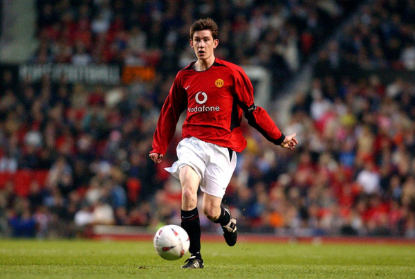 Gary Neville and Roy Keane personally negotiated contract with Sir Alex Ferguson for Manchester United youth star