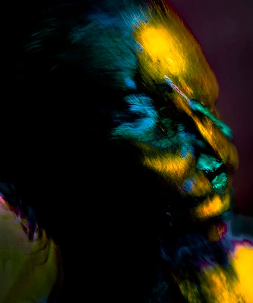 bagrad badalian uses long exposure photography to find alien-like creatures