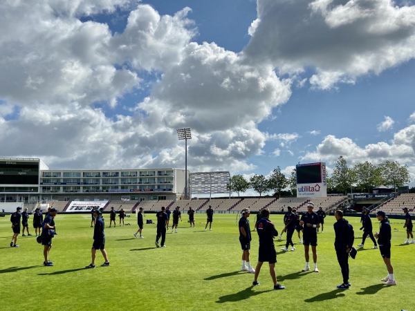 Chris Silverwood expecting hard cricket as England take on each other with Test places at stake