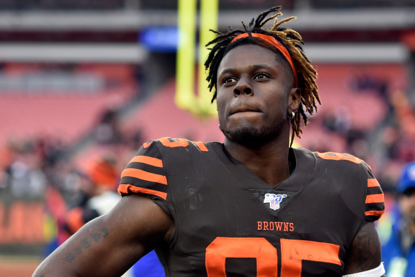 'I'm all in Cleveland:' Browns tight end David Njoku rescinds trade request