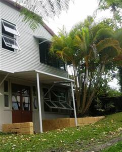 Side of House1.jpg