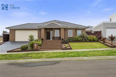 002_Open2view_ID467602-3_Banksia_Place.jpg