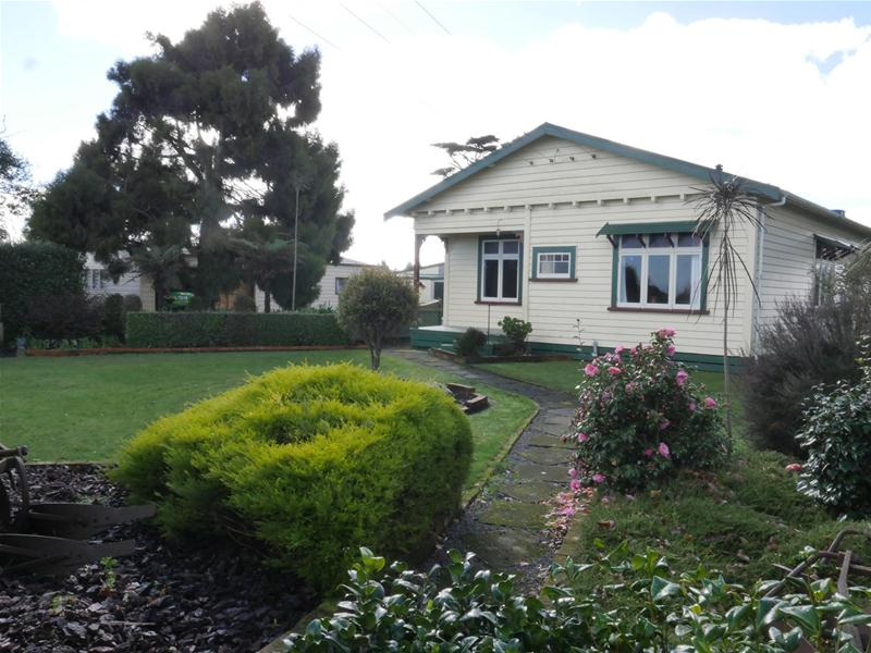 country cottage with sheds galore - Garden Sheds Galore