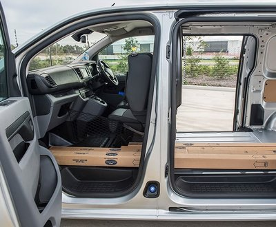 Peugeot LCV image