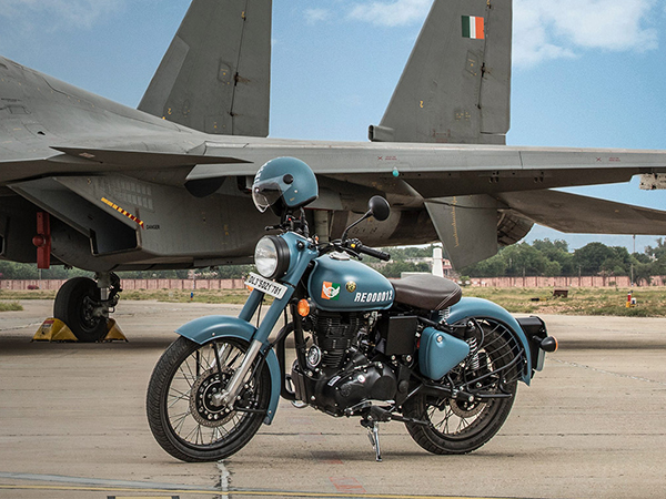 Tune In To The 2019 Royal Enfield Classic 350 Signals!