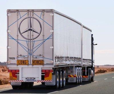 Mercedes Benz Actros image