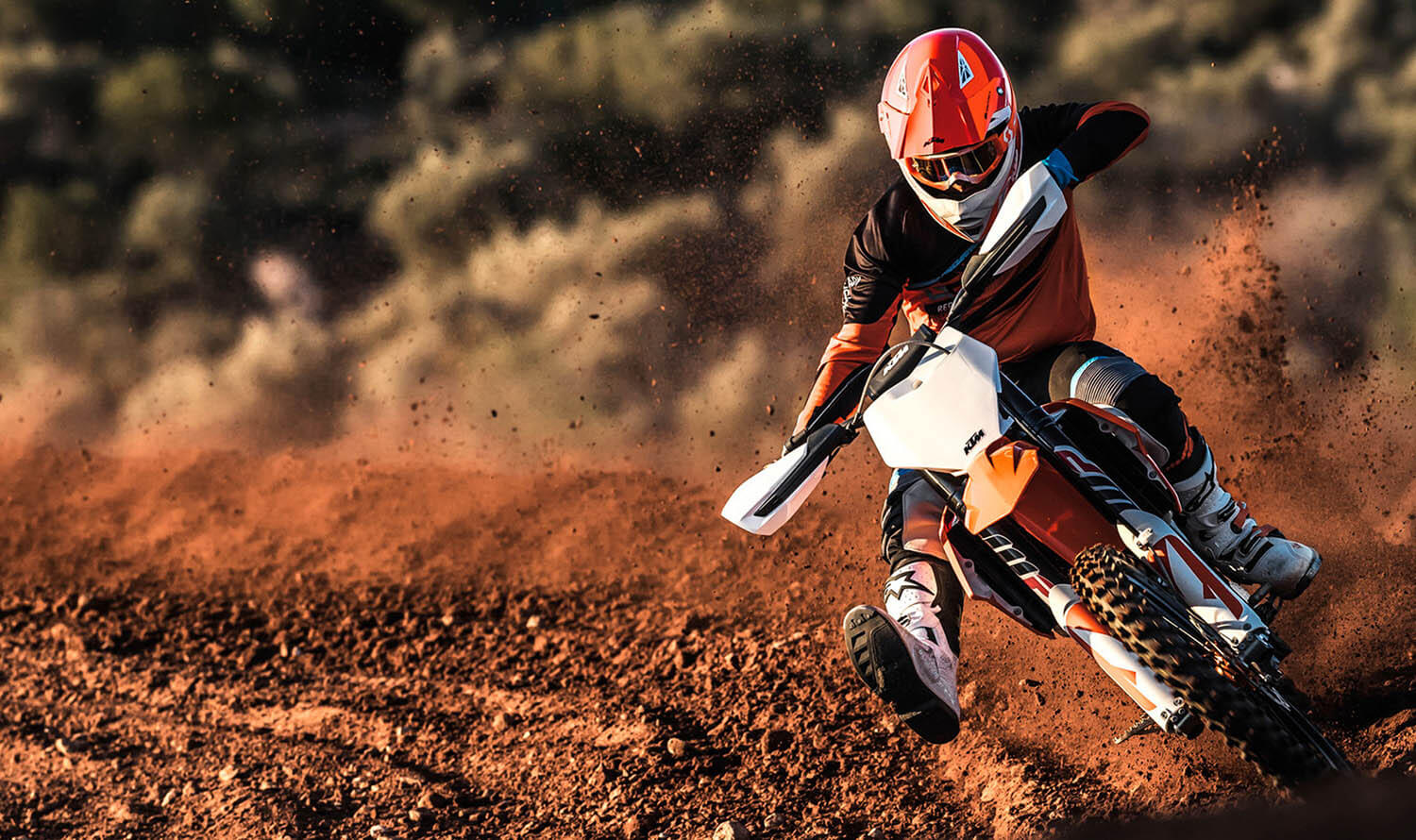 UltimateMotorbikes-HPB-KTM-Jan18-MR