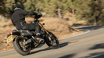 Triumph-SCRAMBLER 1200 XE-Feature-01