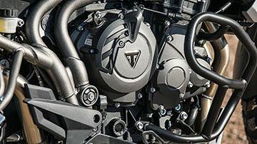 Triumph-TIGER 800 XCA-Feature-01