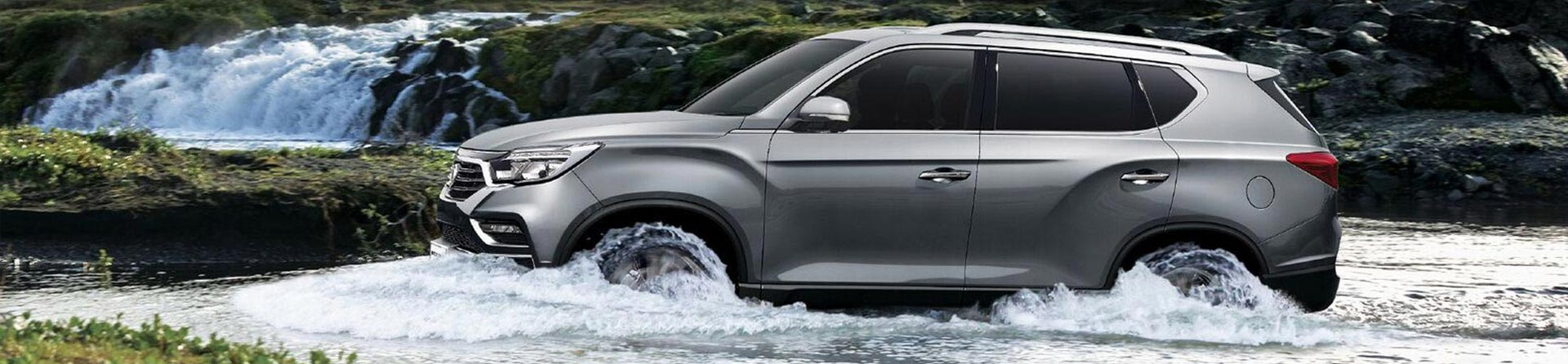 Ssangyong Rexton in a River