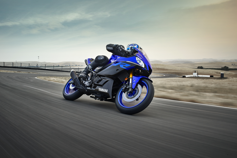 2019 YAMAHA YZF-R3 IS HERE