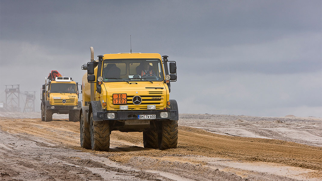 Mercedes-Benz Trucks - Unimog