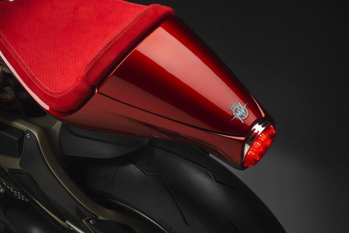Super Veloce 800 Serie Oro Details