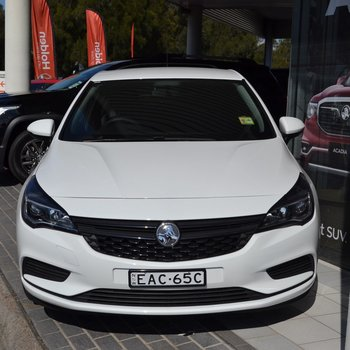 Astra R Man Hatch Demo   Small Image