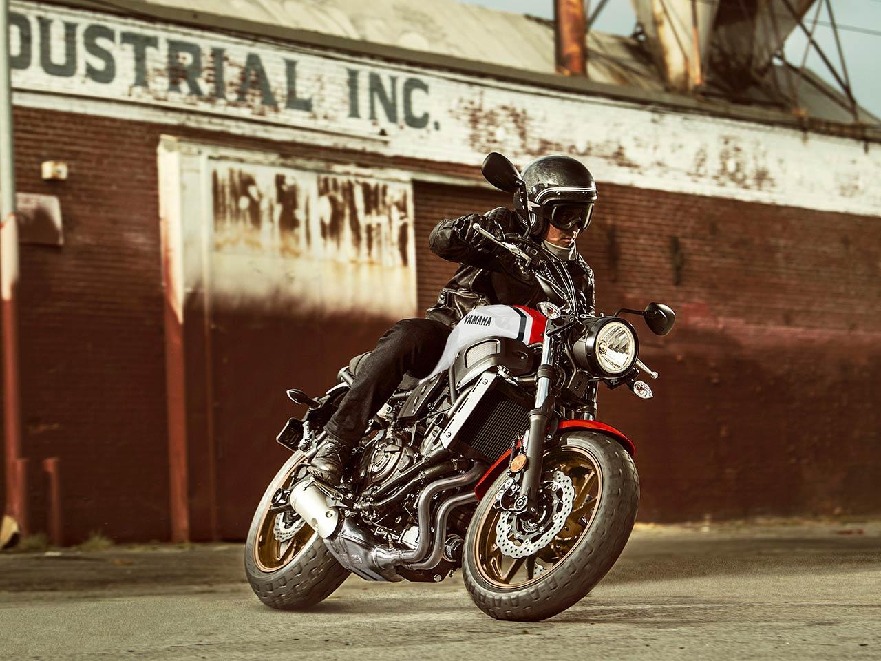 2020 Yamaha XSR700 Gallery 1