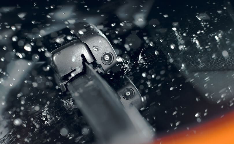 Rain Sensing Automatic Wipers