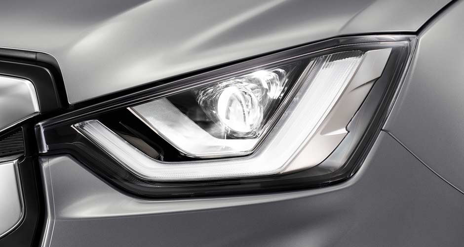 Headlights: Bi-led with auto levelling & DRLs