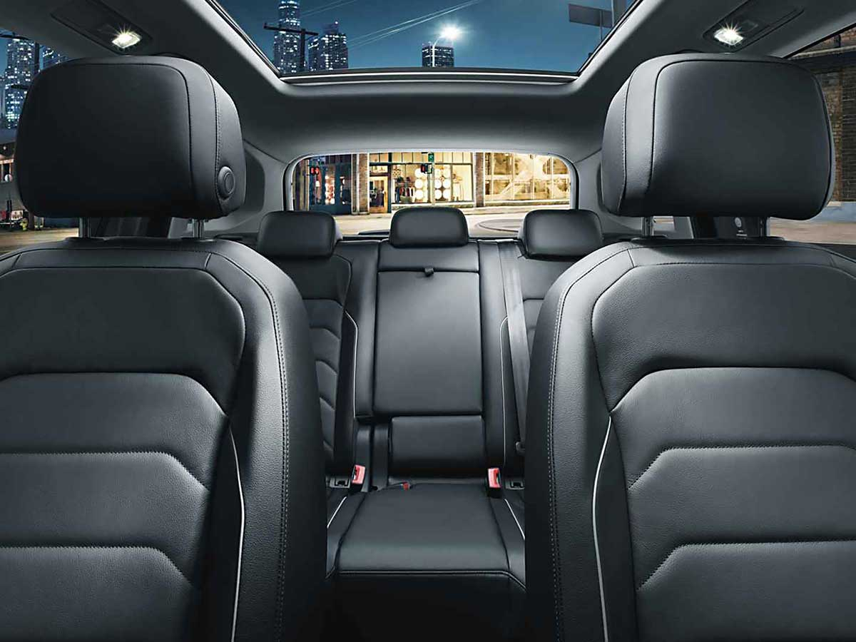 Tiguan_Interior_Feature_RearSeats