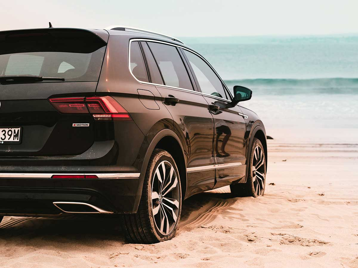 tiguan-at-beach-half
