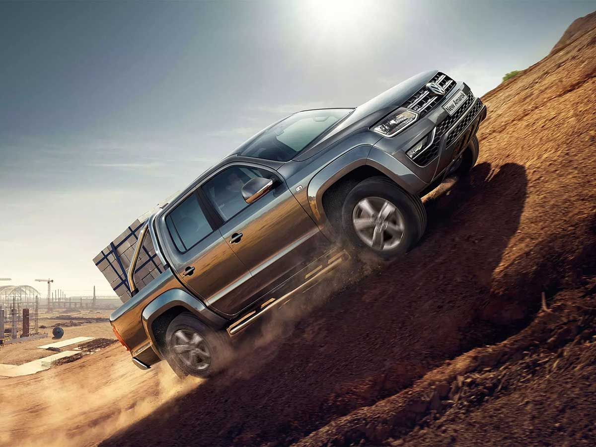 Amarok-Payload-driving-uphill