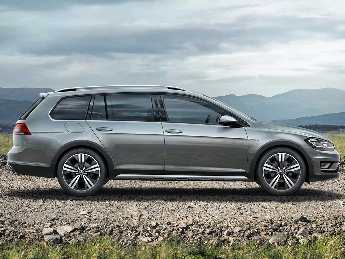 Golf-Alltrack-side-view