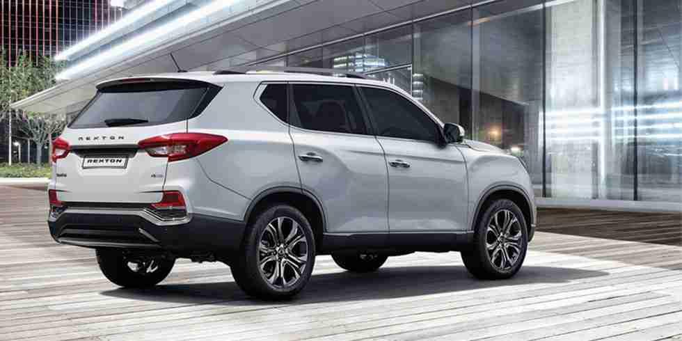 ssangyong-rexton-rear-styling