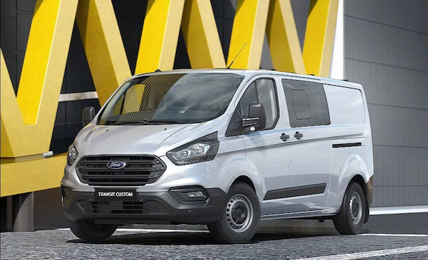 2020 Transit Custom Double Cab in Van