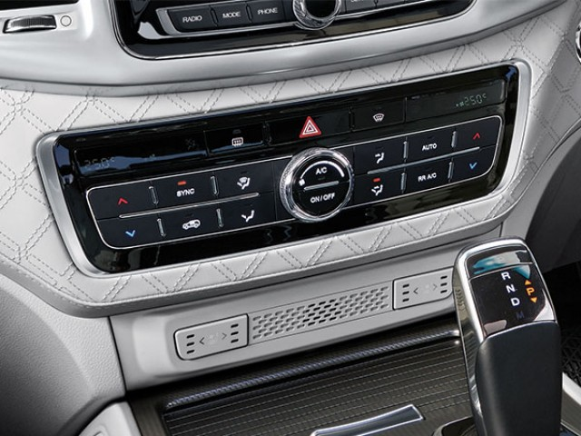 ssangyong-rexton-dual-zone-air-condioning