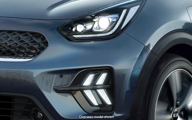 kia-niro-features-design-headlights-PHEV