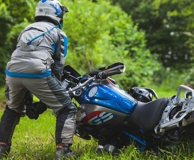 How To Pick Up A Dropped Motorcycle Correctly image