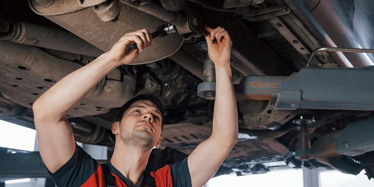 blog large image - 5 things you should know about car maintenance