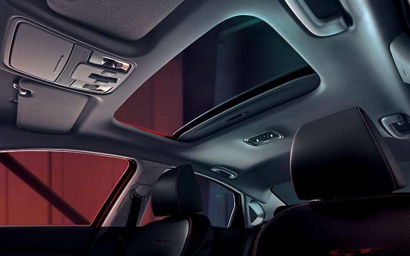 kia-cerato-features-interior-sunroof