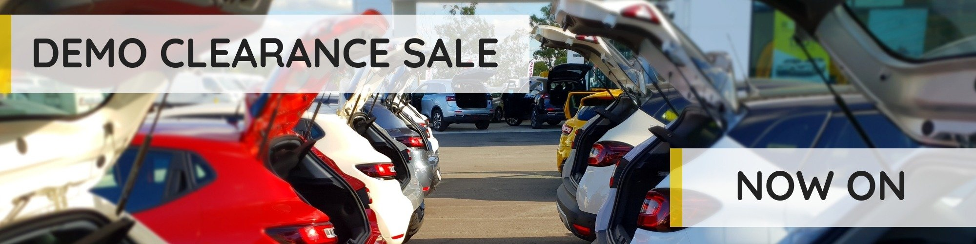 Village Renault Demo Clearance is Now On