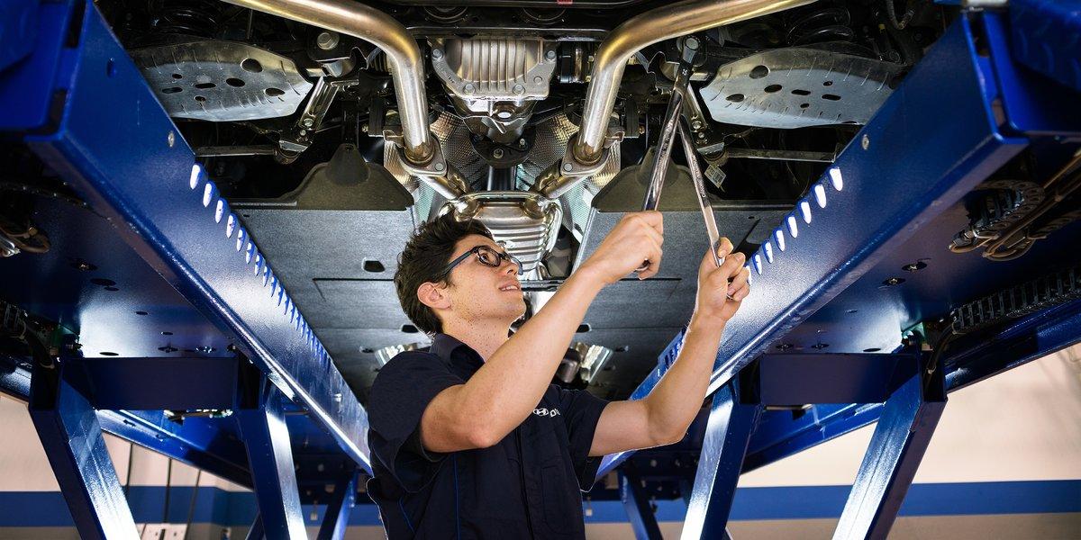 blog large image - Seeking an Automotive Technician