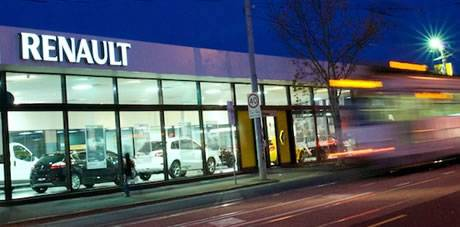 Essendon Renault About