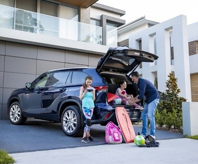 The best family SUV might be the Toyota Kluger at John Madill Toyota image