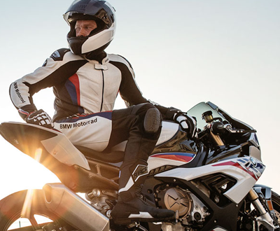 2019-s1000rr-review-thumb image