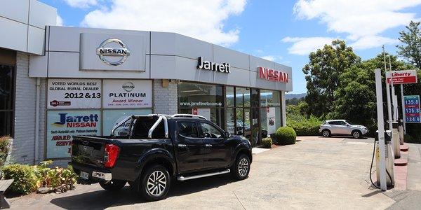 Jarrett_Nissan_Sep15_nm