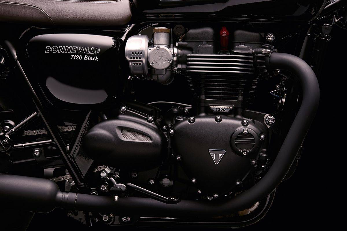 Triumph Street Twin Feature 01