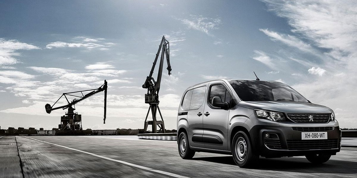 blog large image - Why PEUGEOT have a van for every need