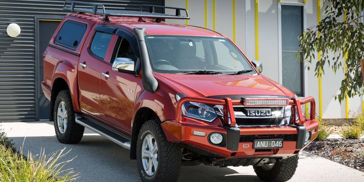 blog large image - Impressive experience with D-MAX sees TS Constructions take delivery of new models.