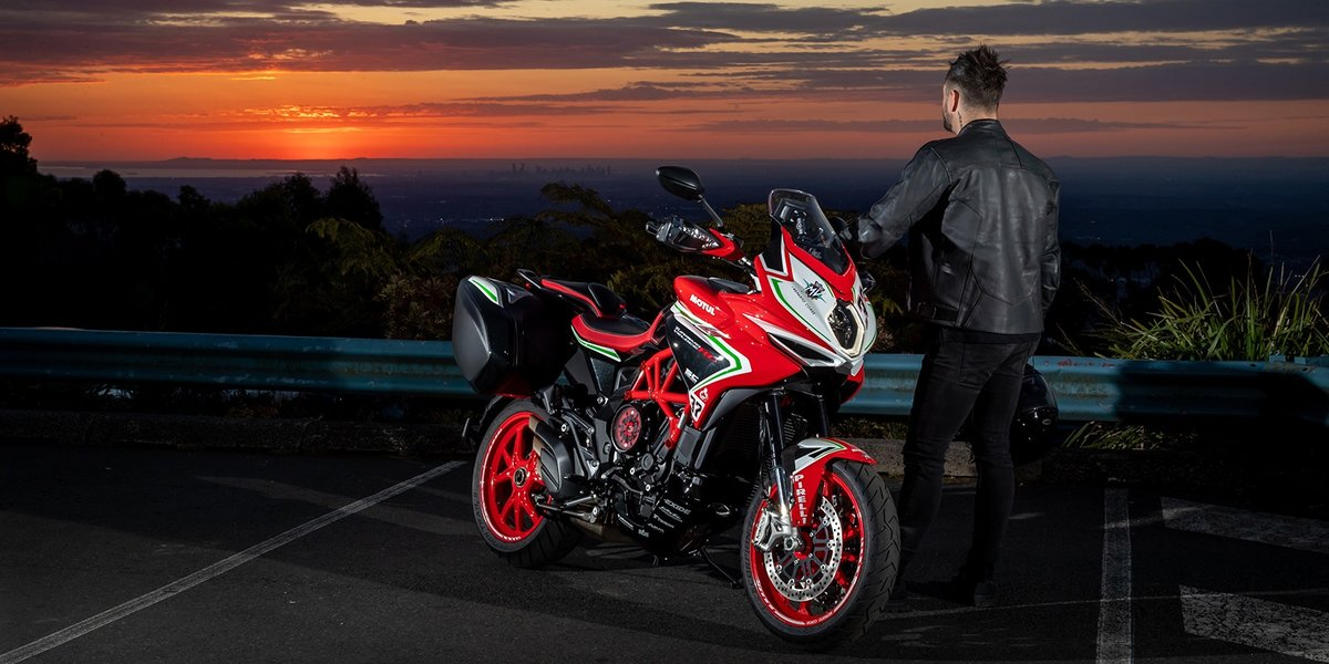 blog large image - The Turismo Veloce 800 RC SCS is the tourer with a racing soul