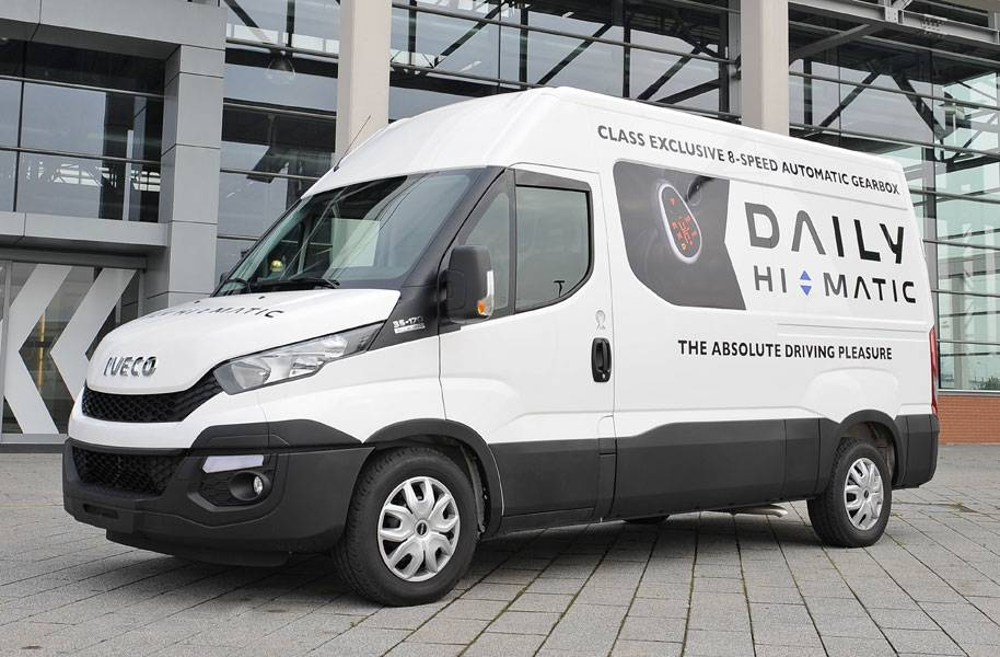 IVECO Daily Minibus Gallery10