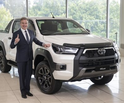 Toyota became the first automotive company to take a clean sweep as the best-selling brand image