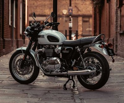 TRIUMPH BONNEVILLE T120 DIAMOND EDITION image