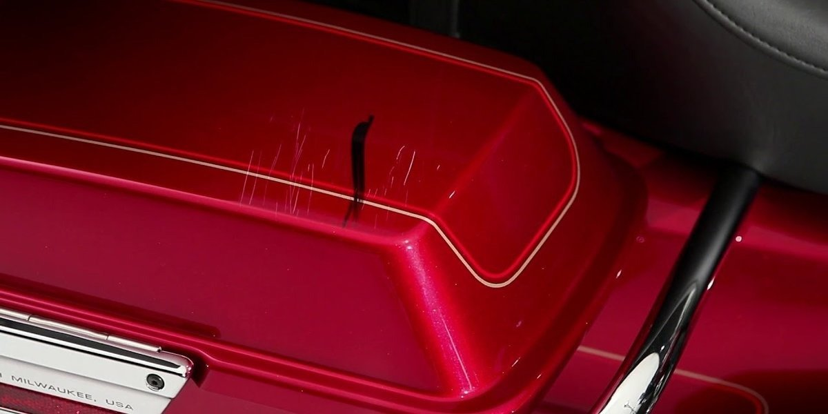 blog large image - Scratch and Swirl Repair: H-D®  Surface Care